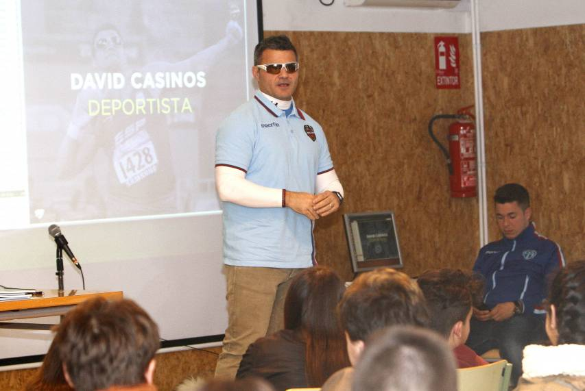 Ricardo Ten y David Casinos, en el IES Serpis