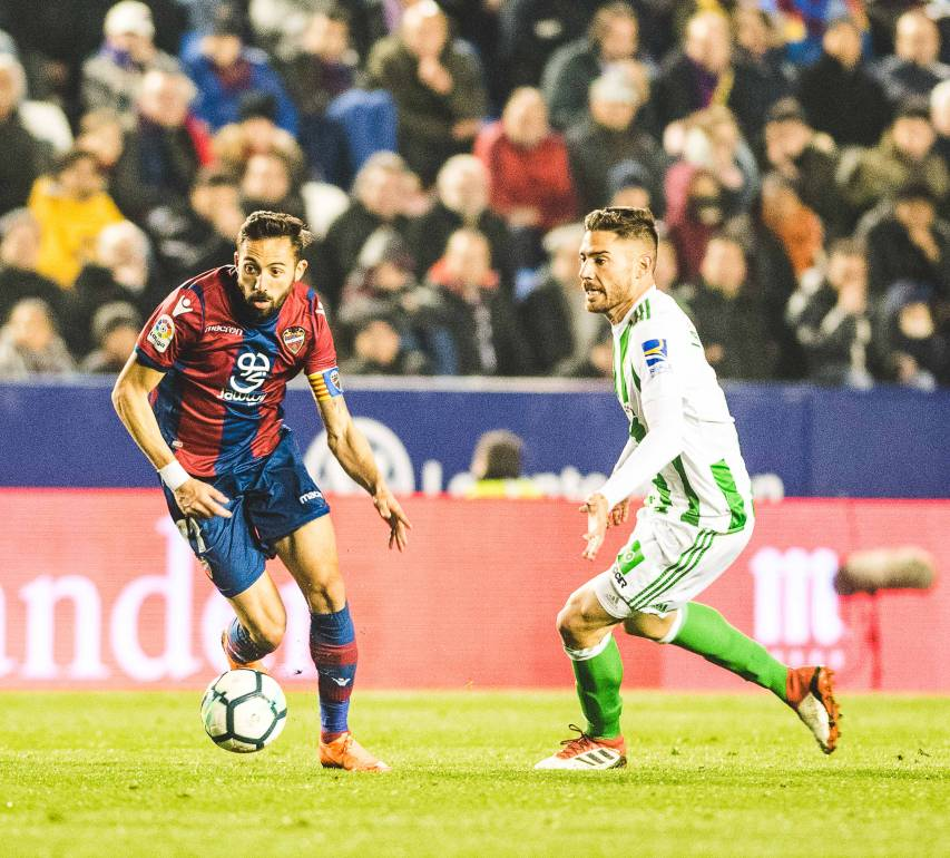 LEVANTE UD - REAL BETIS, MORALES