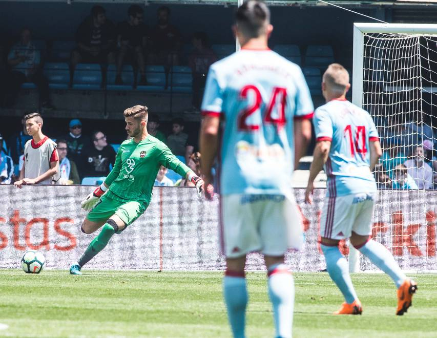 Re-live the best images from the match between Levante UD and RC Celta