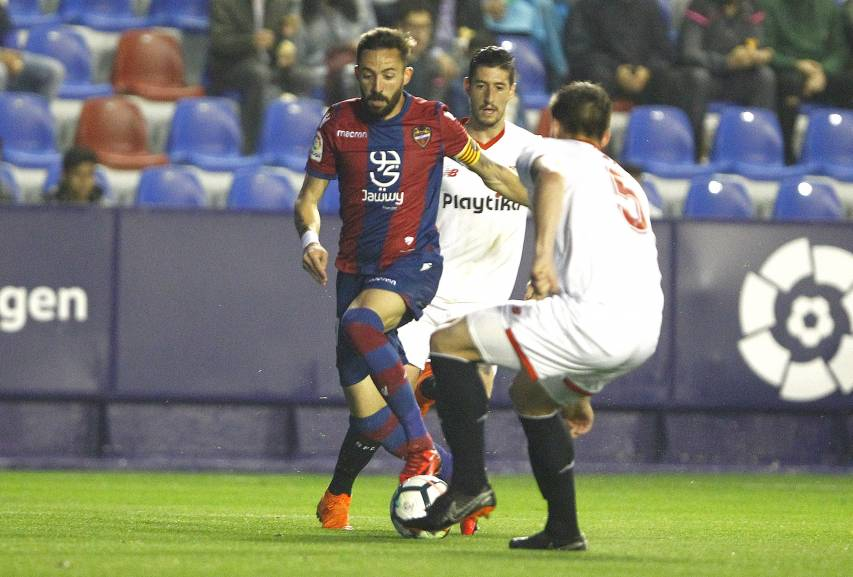 Click here for photos of great victory over Sevilla FC which confirms Levante remaining in the First Division