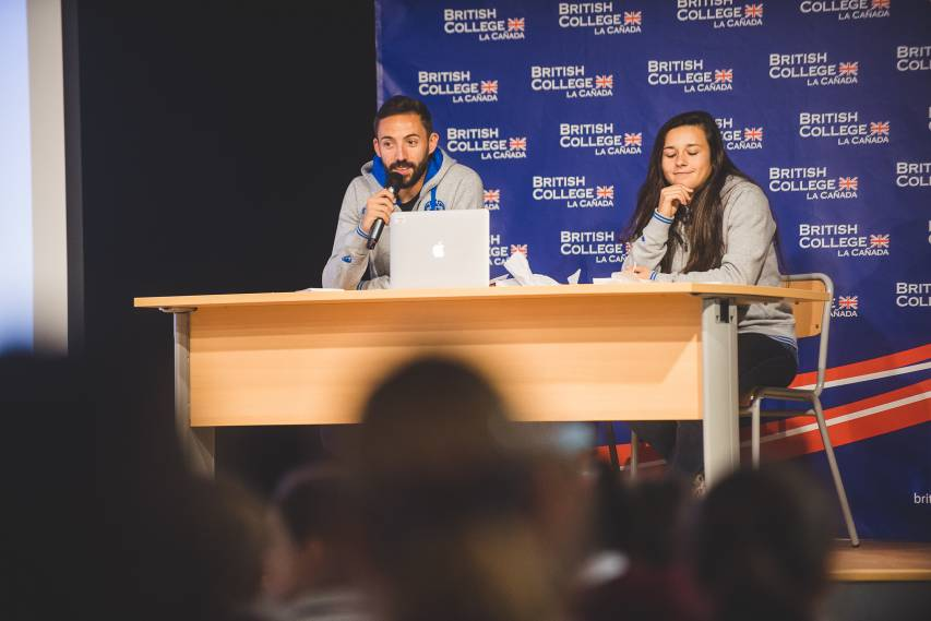 Morales and Lucía Gómez inaugurate the 2018-19 'Children's Club' at the British College of La Cañada