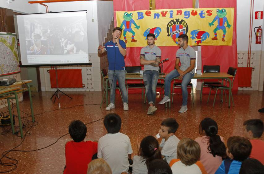 """The Children's Club"" celebrates first event of the season with a talk at the Nicolau Primitiu School"
