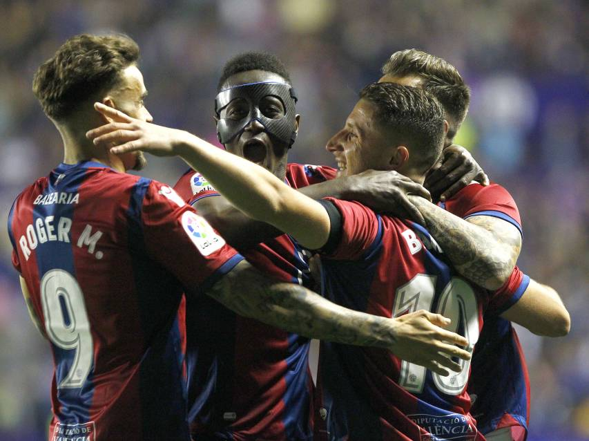 Re-live the historical victory over F.C. Barcelona last night
